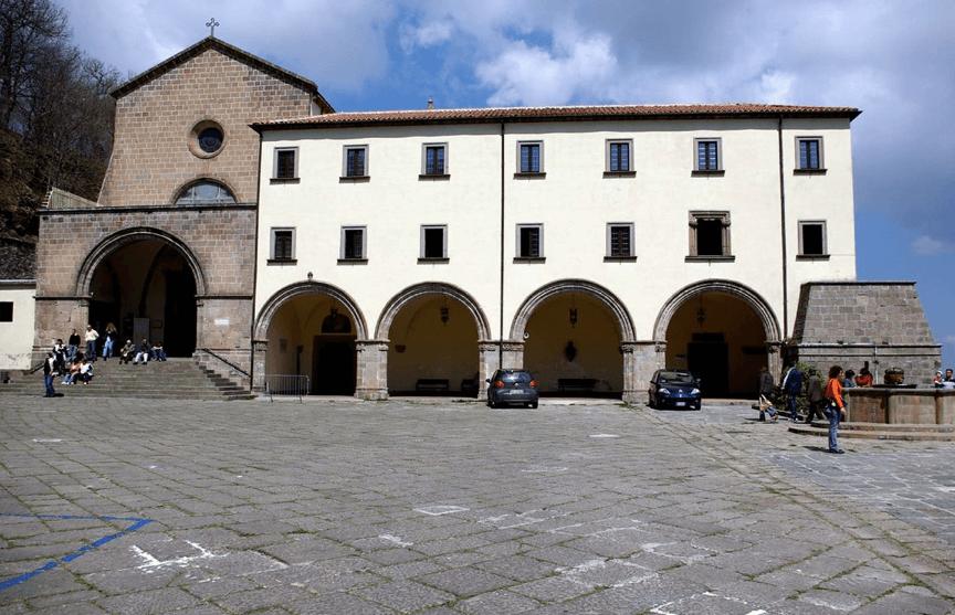 Roccamonfina e il Santuario dei Làttani